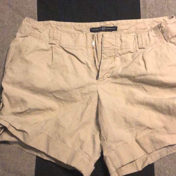 GAP Pants - Gap khaki shorts, size 4